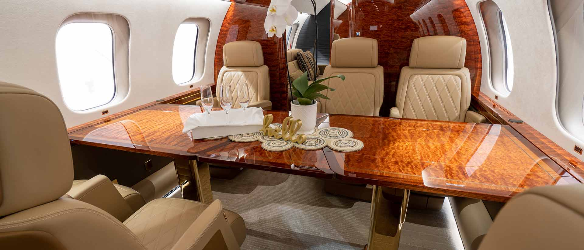 Global 7500 Dining for 6