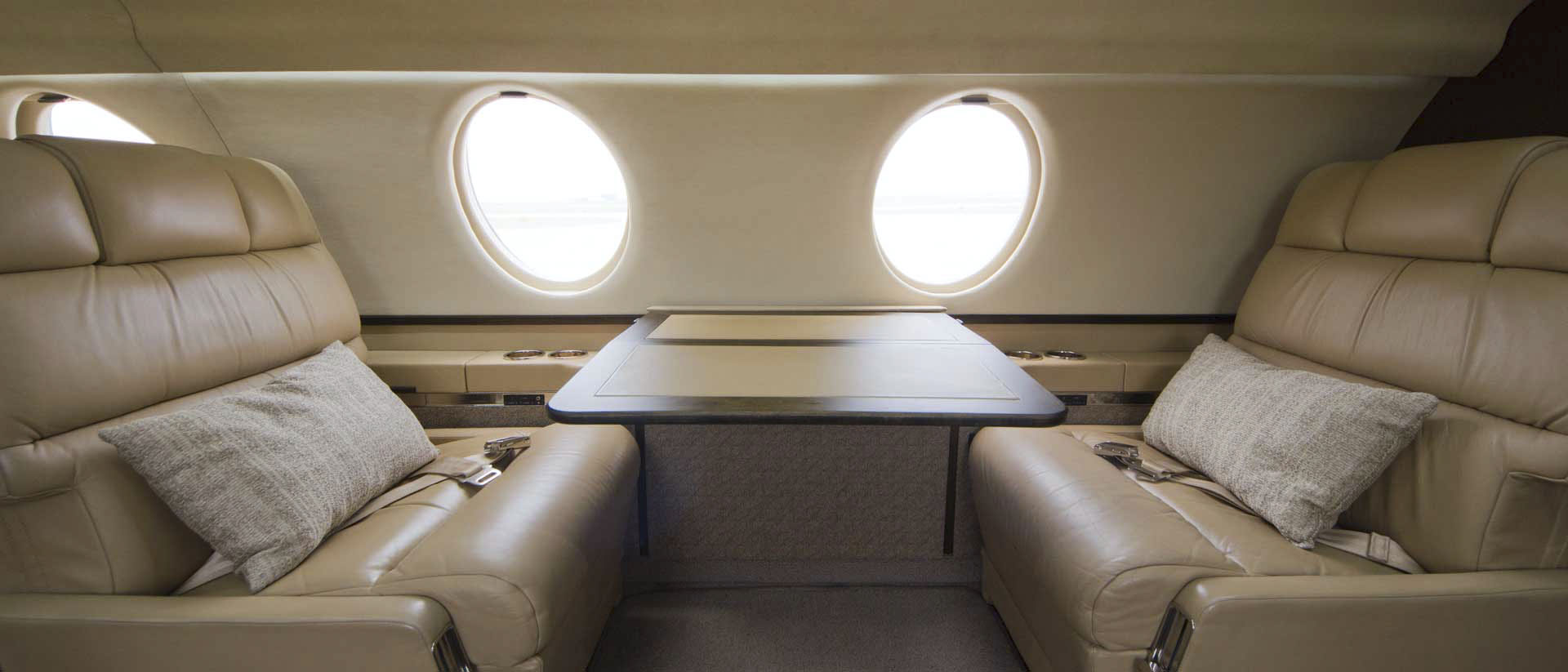 Falcon 20 Interior Club Seats